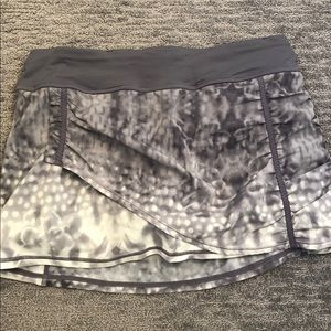 Lululemon run skirt EUC size 6